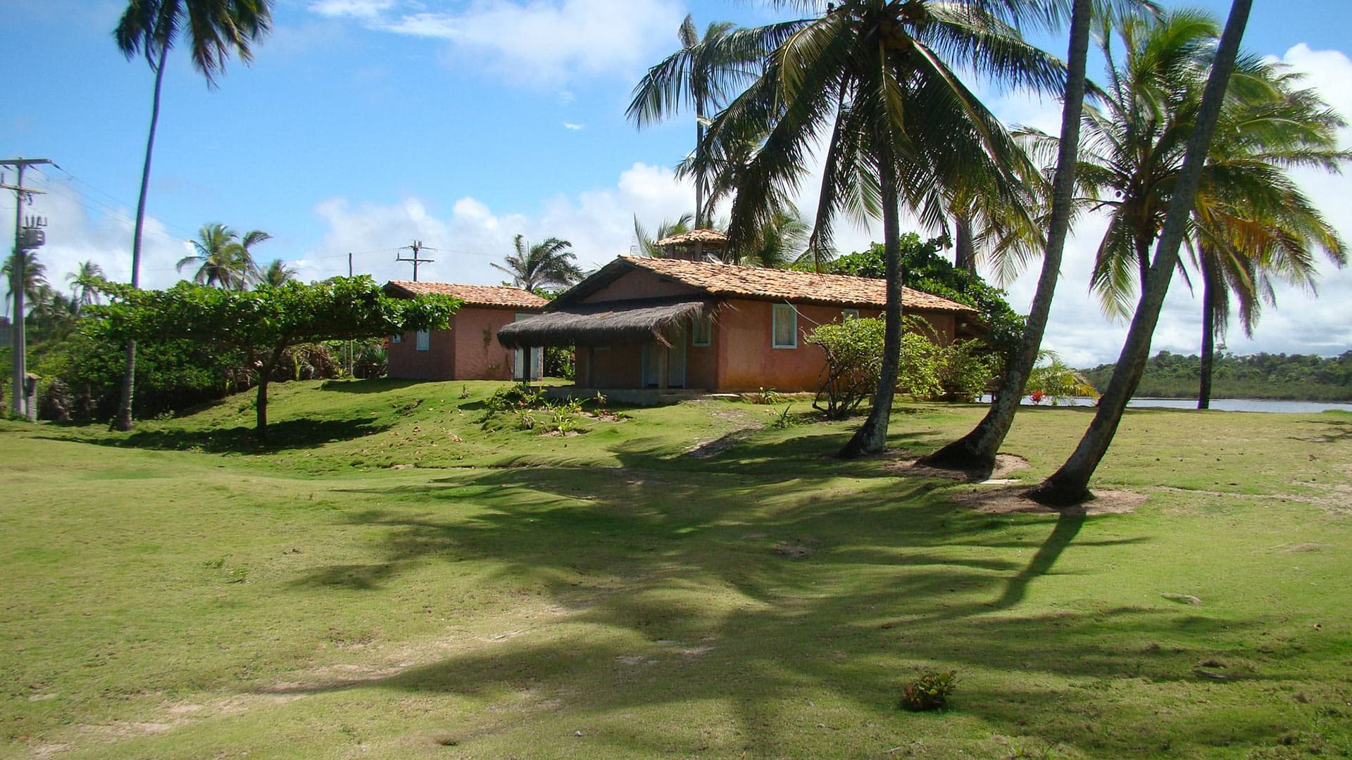 Villa Brassana Estate, Location à Bahia