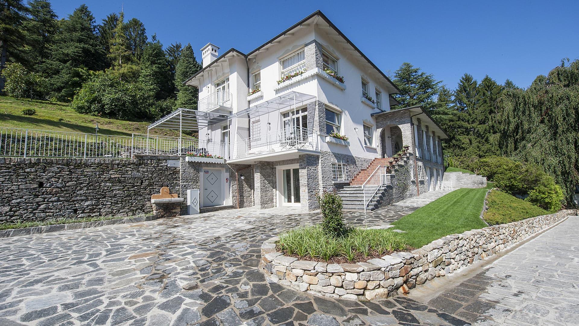 Villa Villa Emilia, Rental in Lakes