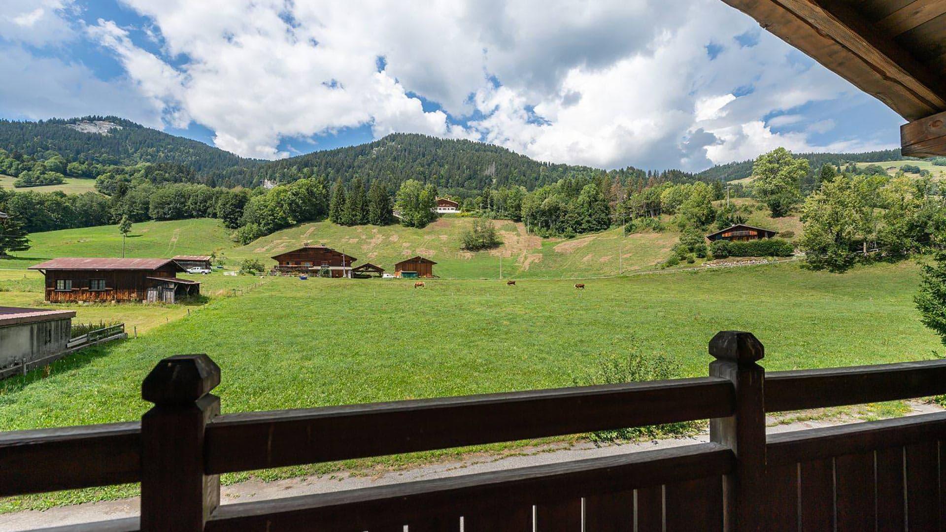 Villa Wooden House, Location à Alpes du Nord