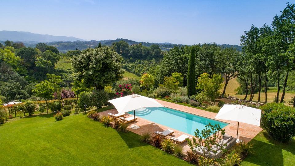 Villa Villa Imperatrice, Location à Latium